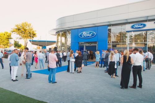 """В Одессе открылся новый дилерский центр Ford компании """"Мустанг Моторс"""""""