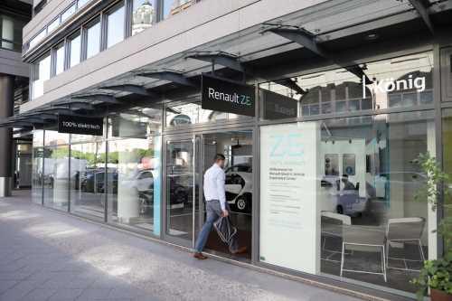 Renault открывает концептуальный шоурум электромобилей