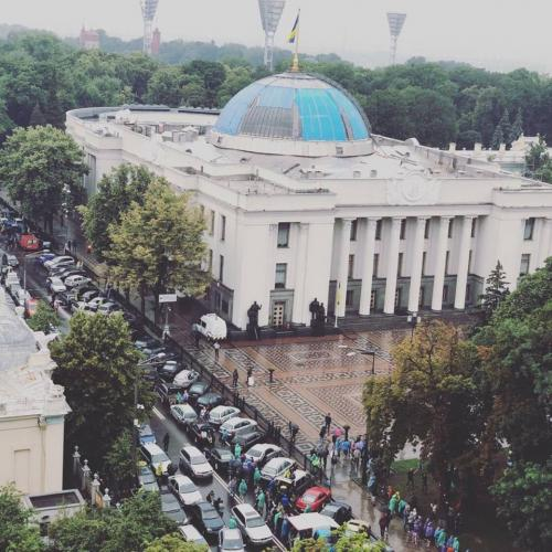 Горячий ноябрь: Завтра комитет Верховной Рады будет рассматривать поправки в автомобильные законы