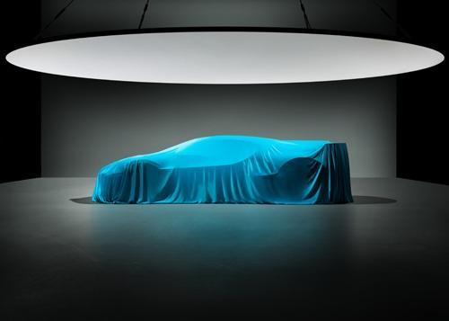 Bugatti продолжает интриговать новым гиперкаром