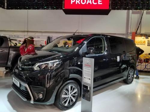 Toyota представила в Украине конкурента VW Transporter