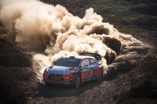 Команда Hyundai Motorsport вновь одержала победу в ралли Италии