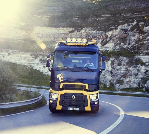 В честь 125-й годовщины Renault Trucks выпускает лимитированную версию грузовика T High 1894 Edition