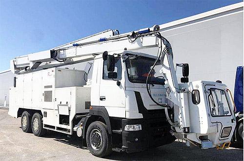 На шасси МАЗ-MAN выпустили машину для противообледенительной обработки воздушных судов