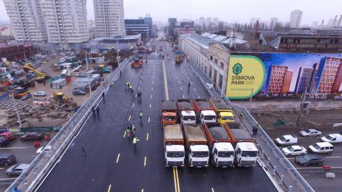 Шулявский мост испытывали МАЗами, а Кличко стоял в это время под мостом