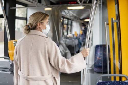 В Киеве в общественный транспорт будут пускать только в масках