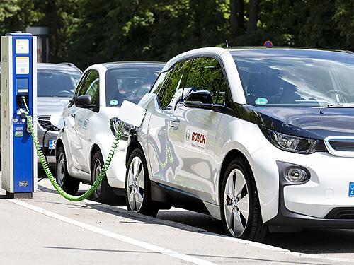 Кабмин готовит законопроект, в котором четко определит типы электромобилей и сделает их приоритетными