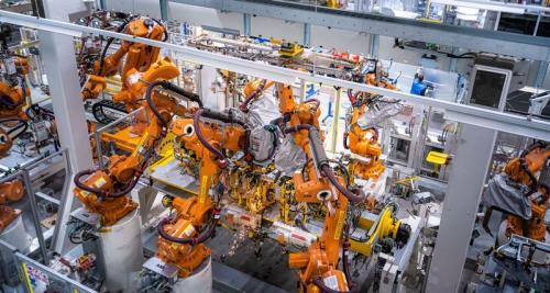 Volkswagen завершает модернизацию завода в Познани для производства нового поколения Caddy