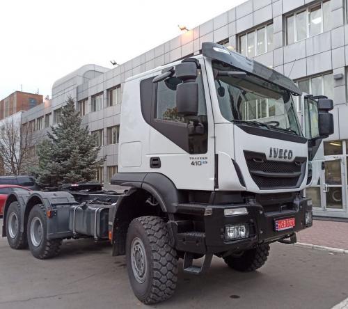 Для транспортировки электроопор ДТЭК закупил тягач IVECO Trakker 6x6