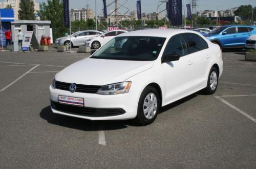 Volkswagen Jetta с пробегом можно купить в кредит от 76 грн в день