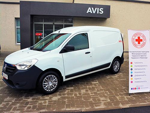 Для борьбы с пандемией Avis Украина предоставила фургон Renault Dokker Красному Кресту Украины - Avis Украина
