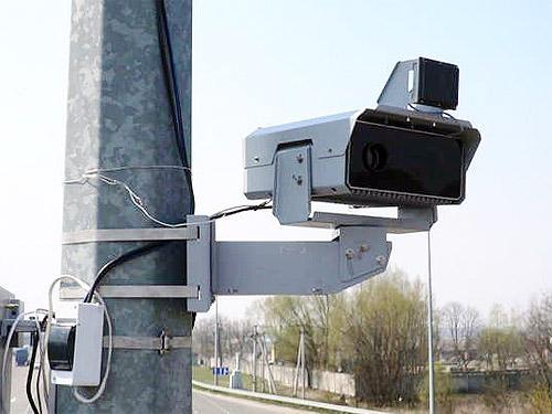 За время работы камеры фиксации нарушений ПДД принесли в бюджет 376 млн. грн. - камер