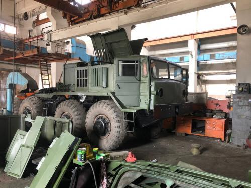 Харьковский автомобильный завод отремонтирует колесные тягачи МАЗ-537 для ВСУ