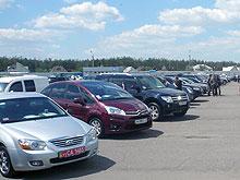 Вслед за рынком новых авто начал обваливаться и вторичный
