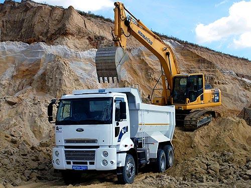 В Украине представили новое поколение самосвала FORD Cargo 3535D - FORD