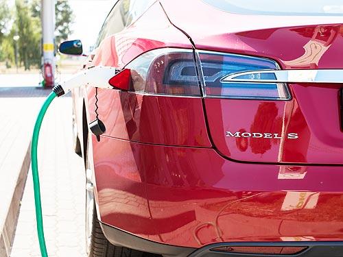 В Украине уже действуют льготы на ввоз электромобилей - электромобил