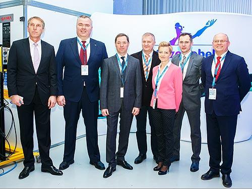 В Украине открылся первый учебный центр для подготовки автомаляров высокой квалификации