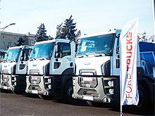Харьков получил 14 новых мусоровозов Ford Trucks