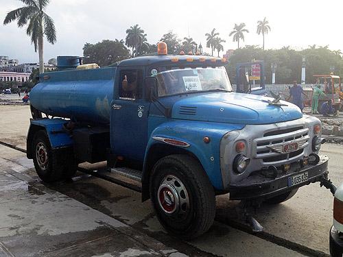 «Динозавры» и затерянный автомир. Куба