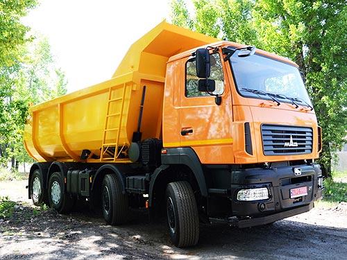 МАЗ выводит на рынок 30-тонный самосвал с двигателем Mercedes-Benz и КПП ZF