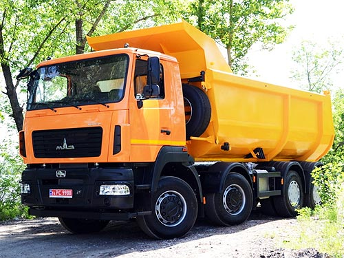 МАЗ выводит на рынок 30-тонный самосвал с двигателем Mercedes-Benz и КПП ZF - МАЗ