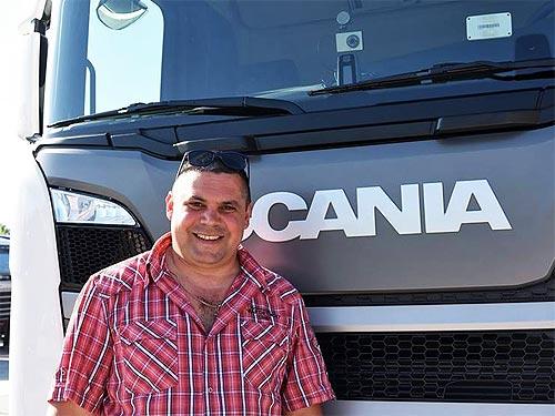 Кто стал первым владельцем грузовика Scania R450 нового поколения - Scania