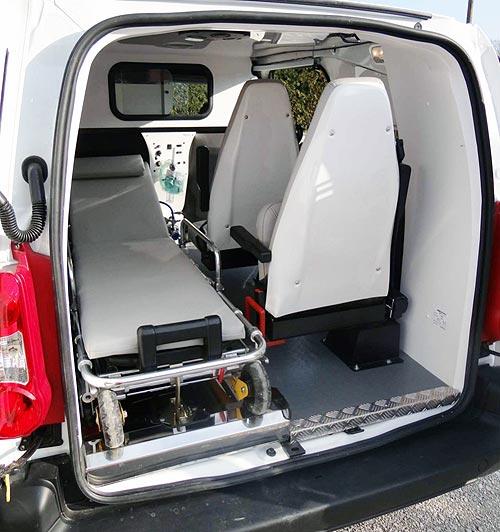 Для производства санитарных автомобилей Техкомплект переходит на иномарки - санитар