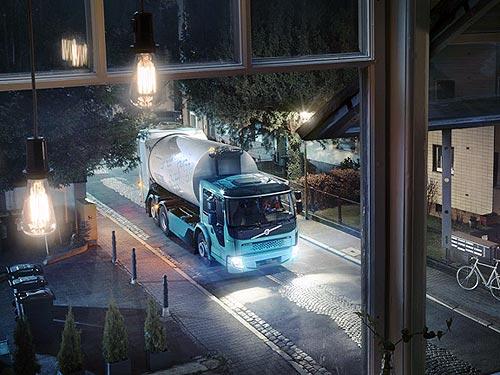 Volvo Trucks представляет вторую модель грузового электромобиля Volvo FE Electric - Volvo