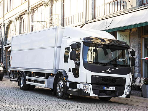 Грузовики Volvo Trucks защитят велосипедистов и пешеходов