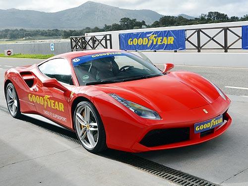 На каких шинах должны ездить Ferrari и Porsche. Тест высокоскоростных шин Goodyear - Goodyear
