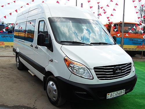 В Украине дебютировал микроавтобус МАЗ