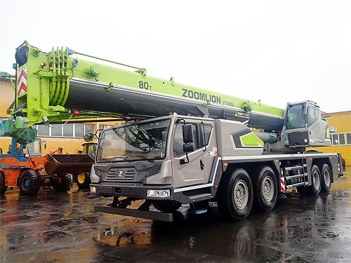 В Украину поставили новейший 80-тонный автокран Zoomlion ZTC800V