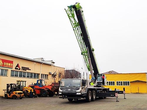 В Украину поставили новейший 80-тонный автокран Zoomlion ZTC800V - Zoomlion