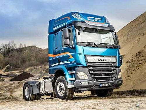 Грузовики DAF CF и XF теперь доступны в комплектации с подключаемым приводом передних колес