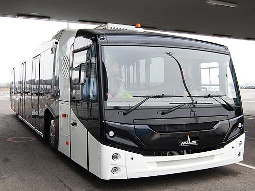 МАЗ поставил в аэропорт «Борисполь» перронный автобус нового поколения