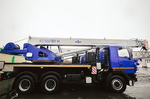 МАЗ выпустил 32-тонный автокран 6*6 облегченной конструкции - МАЗ