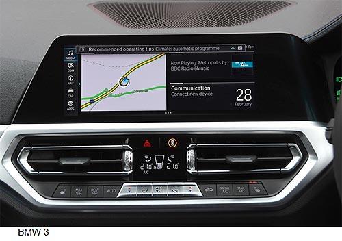 Какие системы автомобиля отвлекают водителя от дороги. Тест 18 автомобильных мультимедиа