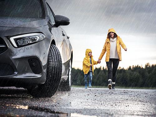Похолодание и дожди. Советы по безопасному вождению осенью