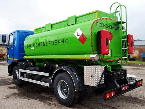 С начала года на Заводе «Техкомплект» изготовлено более 20 топливозаправщиков