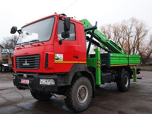 В Украине выпустили бурокрановые машины DASAN на шасси МАЗ