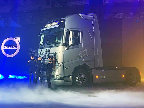 В Украине дебютировало новое поколение грузовиков Volvo FH, FM и FMX