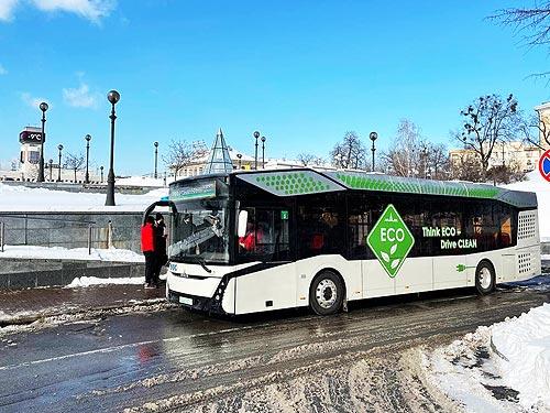 Новый электробус МАЗ-303Е засветился на улицах Киева. Видео