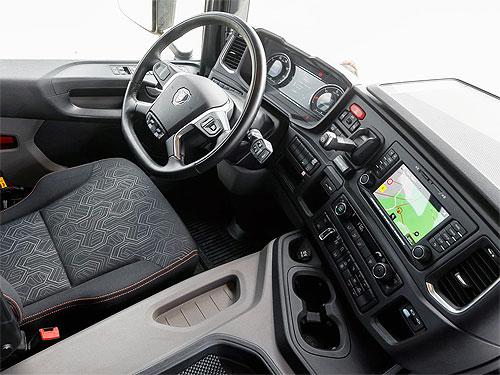 Как самосвалы Scania работают на гранитном карьере. Видеоотчет - Scania