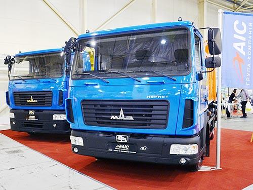 В Украине представили две новинки для коммунальщиков на шасси МАЗ Корнет