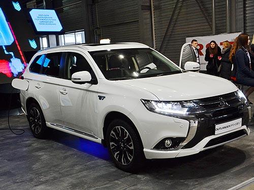 В Украине представили Mitsubishi Outlander PHEV - Mitsubishi