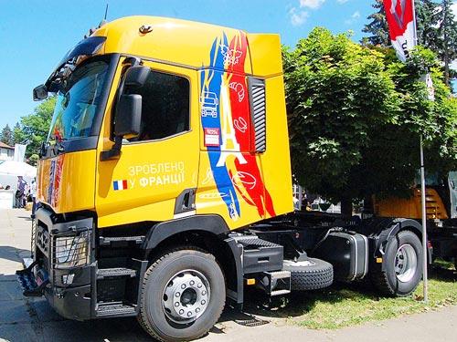 Renault Trucks представила надежные решения для аграриев - Renault