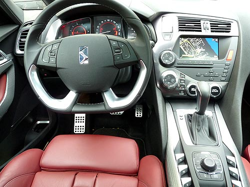 Тест-драйв Citroen DS5: на машине президента без охраны
