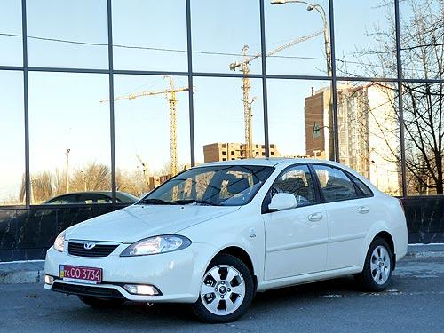 Тест-драйв Daewoo Gentra: новый Lacetti в «тюбитейке», но за 99 тыс. грн?