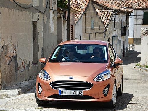 Тест-драйв Ford Fiesta: На цыпочках в премиум - Ford