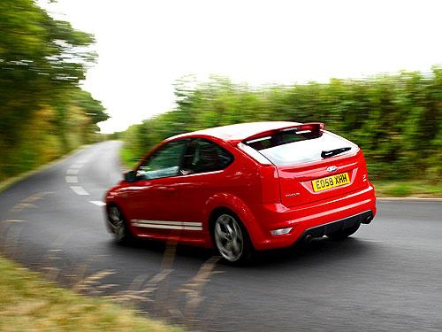 Тест-драйв: Mazda 3 MPS vs Ford Focus ST
